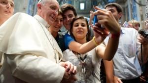 papal selfie 2